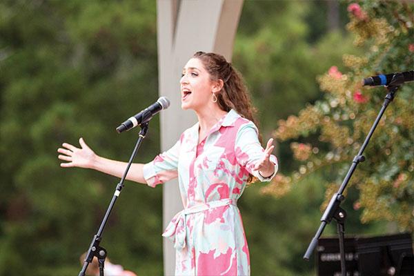 singer from 2017 starlight celebration